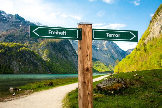 csu deutscher-bundestag bayern terrorismus anschlag gewaltpraevention praeventionsmaßnahmen hans-georg maaßen