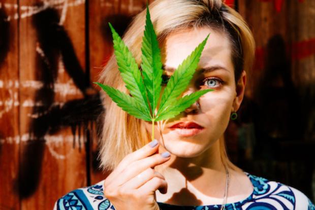 Nach-der-Legalisierung-von-Gras-In-Kanada-geht-Cannabis-aus