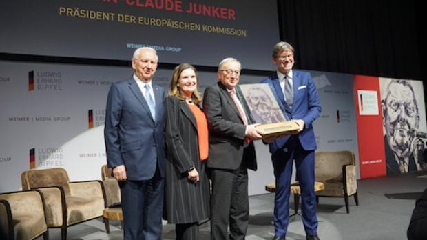 -Ohne-Pressefreiheit-gibt-es-keine-Demokratie-Jean-Claude-Juncker-mit-Freiheitspreis-der-Medien-ausgezeichnet