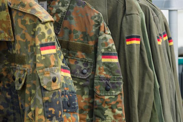 bundeswehr deutscher-bundestag wehrmacht wolfgang schäuble bundesrepublik
