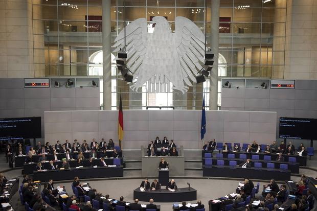 deutscher-bundestag parlamentarismus macht systemfrage