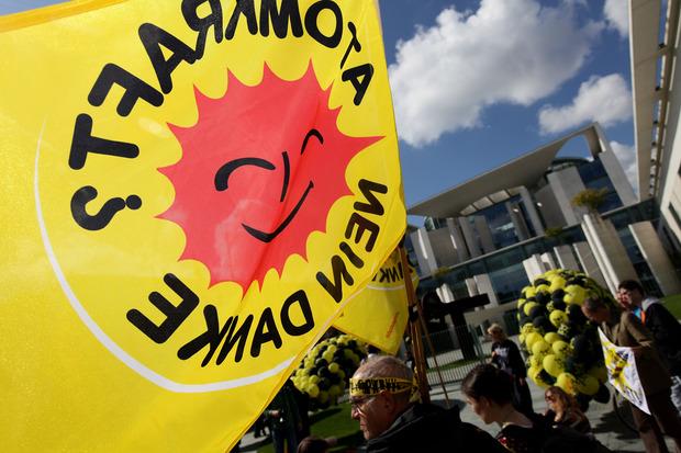 stuttgart-21 atomausstieg klientelpolitik schwarz-gelb alternativlosigkeit