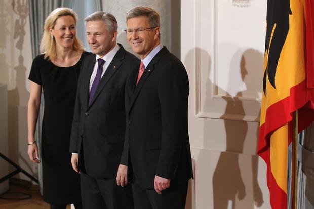 klaus-wowereit berlin innenpolitik frank-henkel