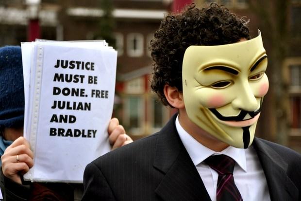 informationsfreiheit zensur wikileaks julian-assange