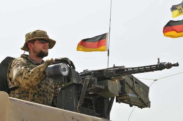 afghanistan irak nato aussenpolitik 9/11 gerhard-schroeder