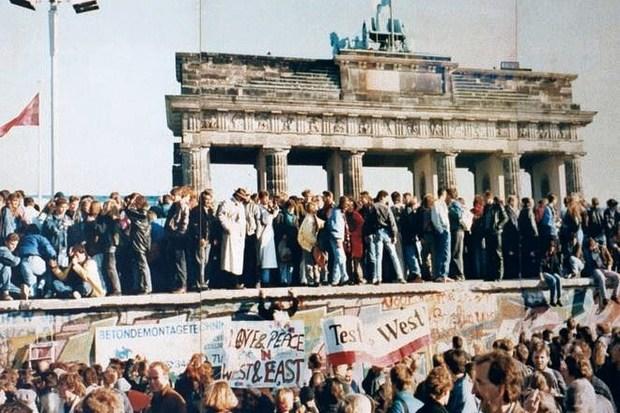 ddr europa-politik osteuropa norbert-lammert berliner-mauer dietmar-bartsch
