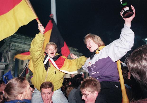 ddr kollektivismus nationalismus deutsche-einheit mauerfall erbe