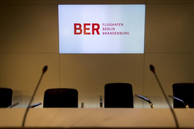 klaus-wowereit berlin schulden grosse-koalition verantwortung infrastruktur flughafen-berlin-schoenefeld matthias-platzeck