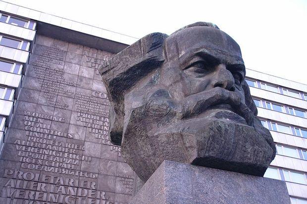 communism capitalism