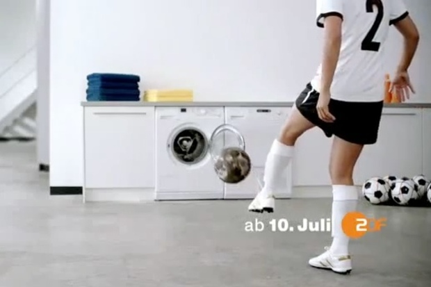 zdf fussball emanzipation bild-zeitung playboy sexismus