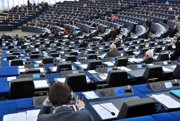 europa-politik parlamentarismus gewaltenteilung monopol