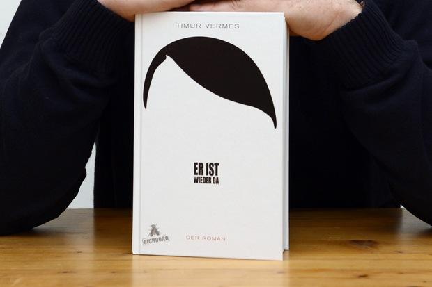 adolf-hitler geschichtsaufarbeitung print9 deutsche-identitaet