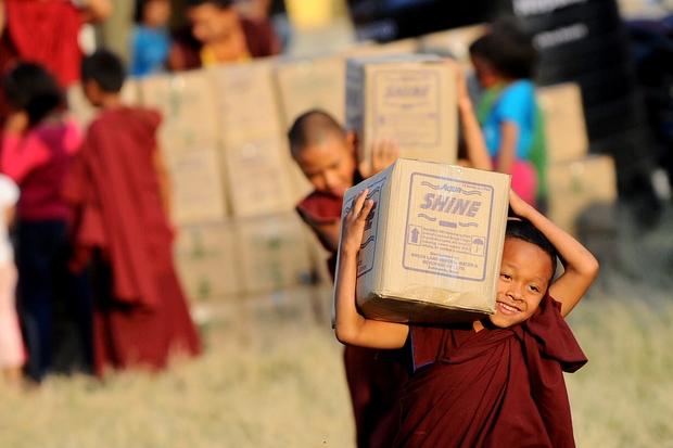 religion gender charity